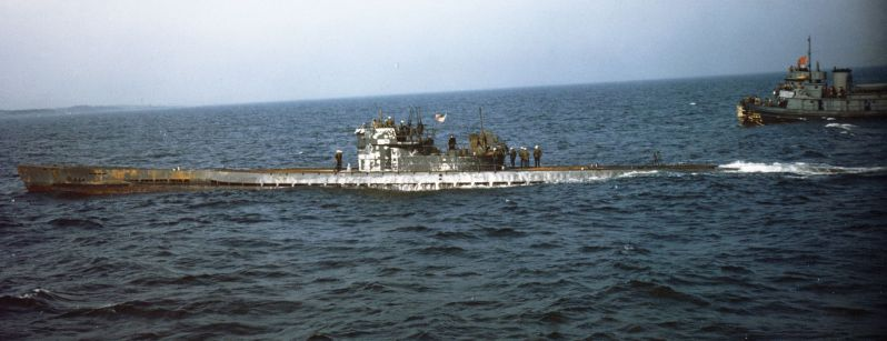 German_submarine_U-805_being_escorted_to_Portsmouth_Navy_Yard_in_May_1945