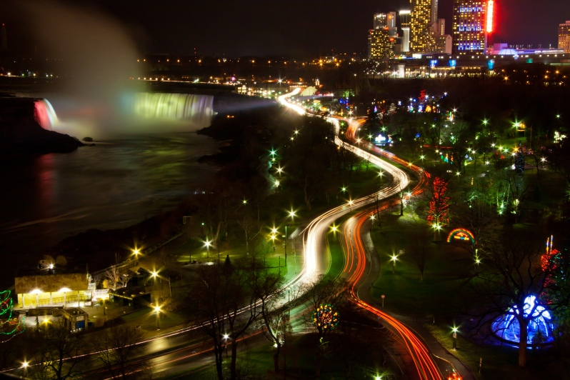 Niagara Falls Lit Up